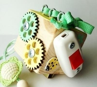 БИЗИ-борды, БИЗИ-кубики и деревянные игрушки